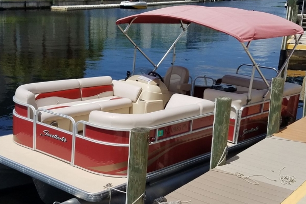 23 ft Sweetwater Family & Party Boat - 2015