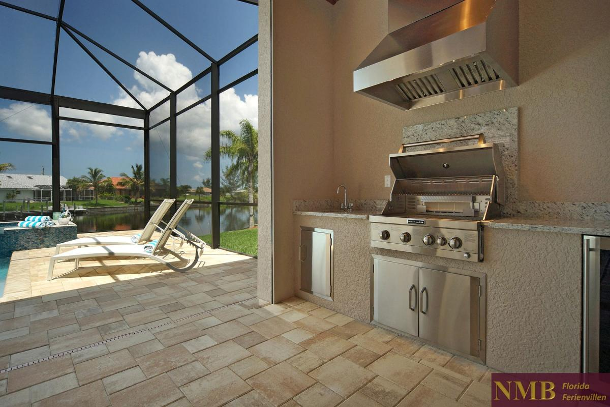 Ferienhaus-Palm_Breeze-Cape_Coral-out kitchen