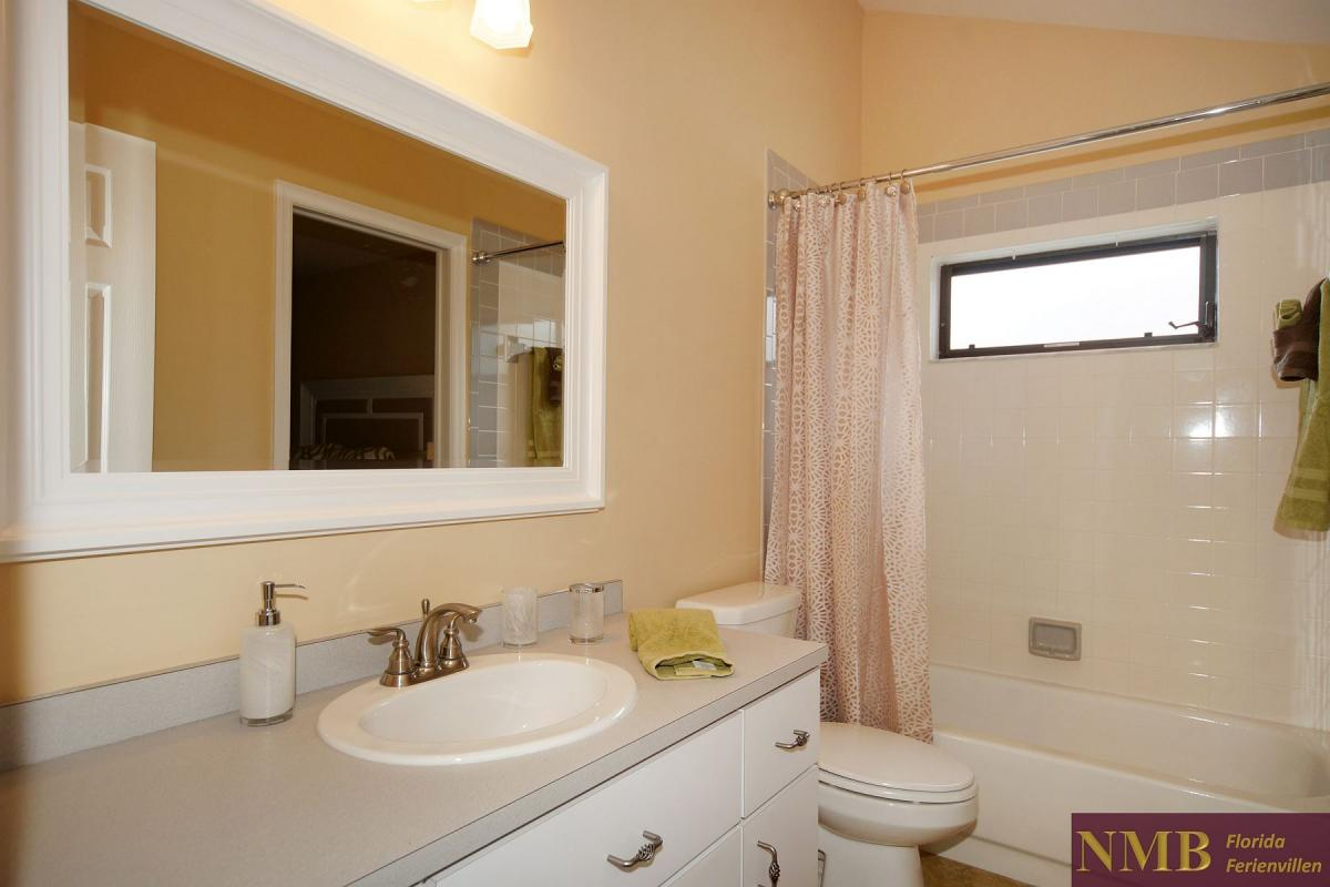 Ferienhaus_Cape_Coral_Stirling-guest-bath-02