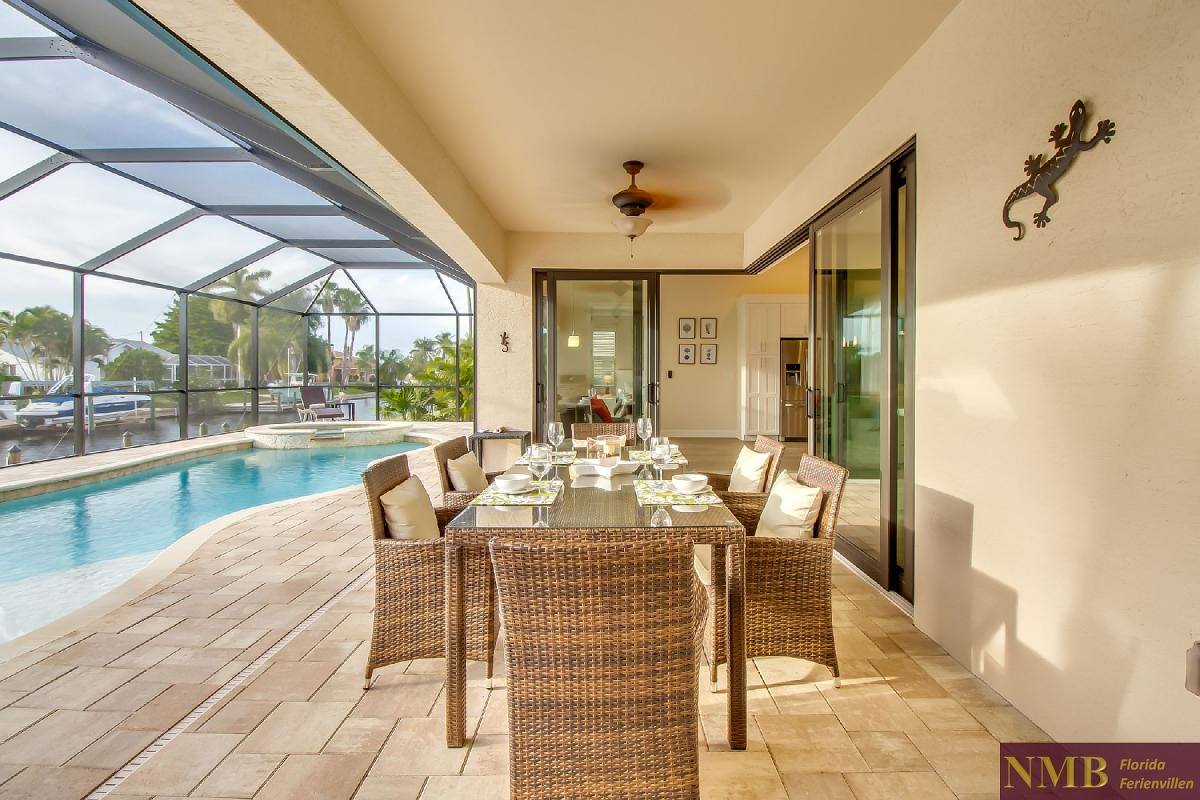 Ferienhaus-Felicity-Cape_Coral-Lanai_and_Pool