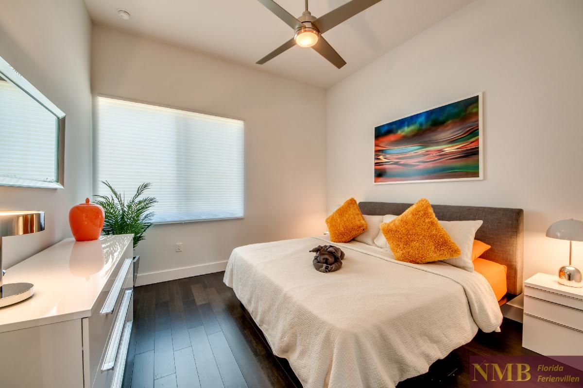 Vacation-Rental-Cape-Coral-Next-Level_2nd_Bedroom