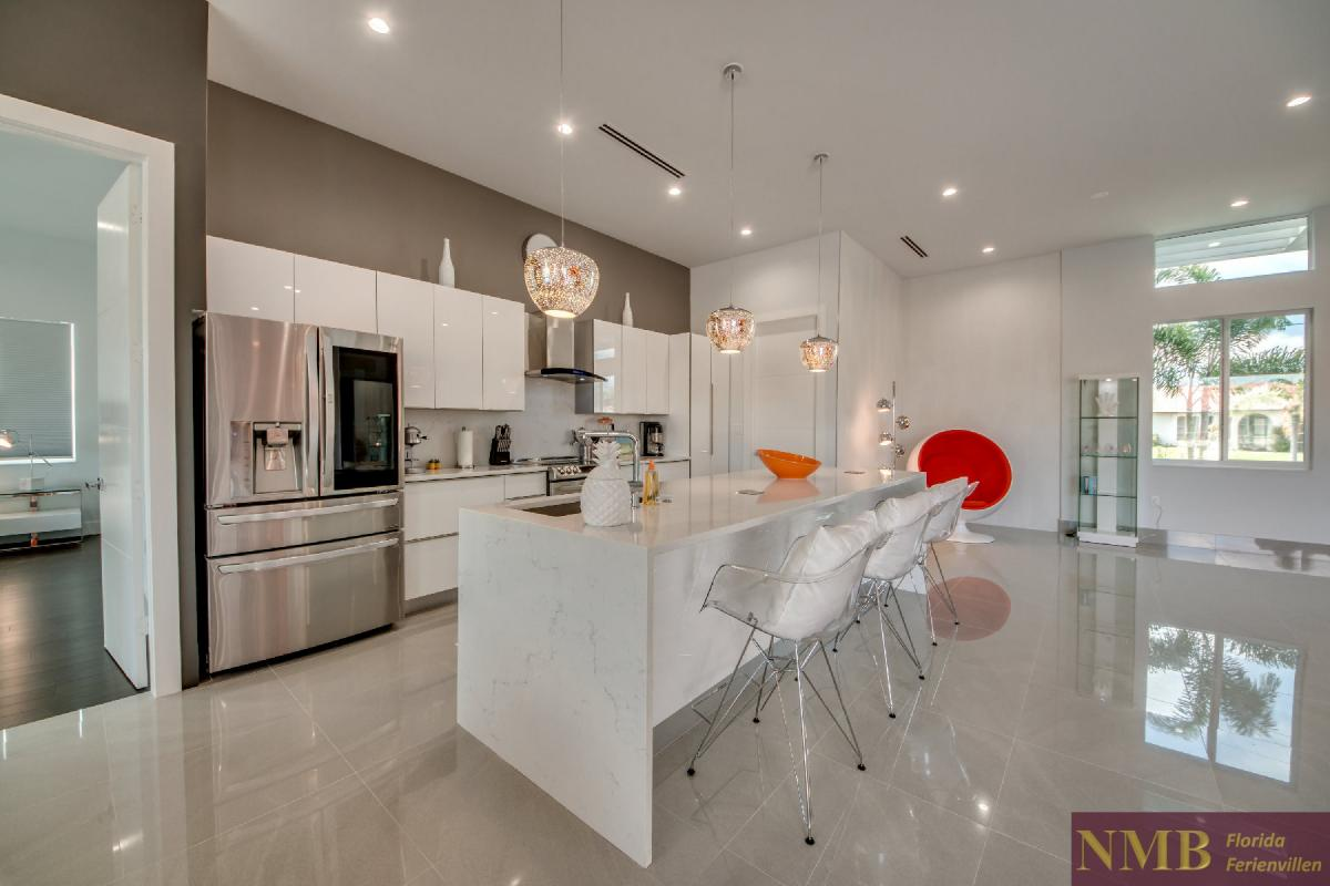 Vacation-Rental-Cape-Coral-Next-Level_Kitchen_5