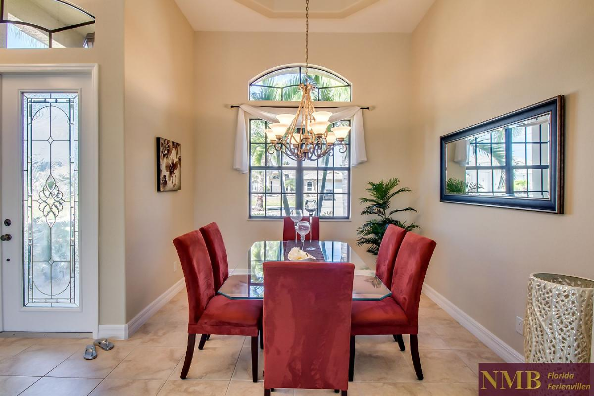 Ferienhaus-Sea-Pearl-Cape-Coral_Formal_Dining_Room_1
