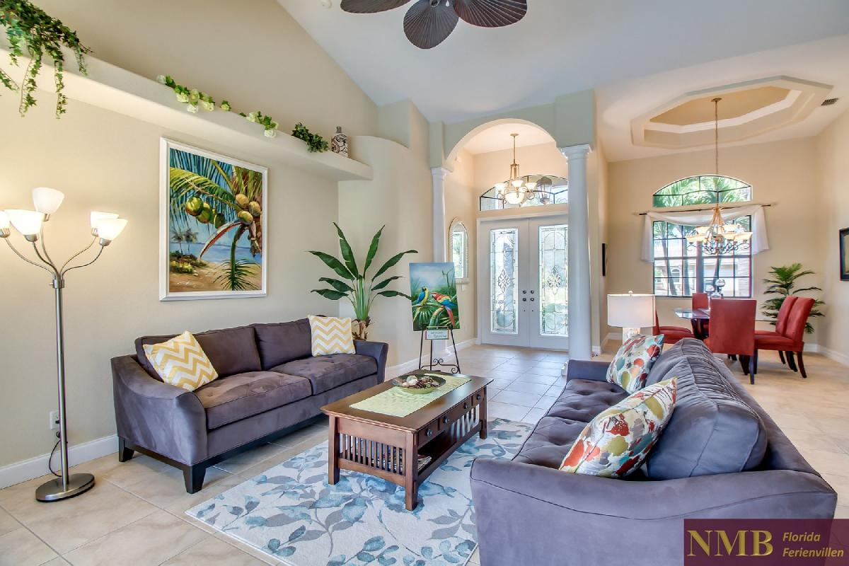 Ferienhaus-Sea-Pearl-Cape-Coral_Formal_Living_Room_2