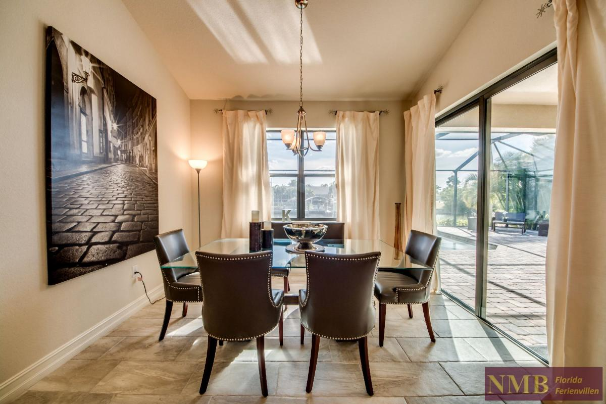 Vacation Home Sweet Mailin_Dining_Room_2