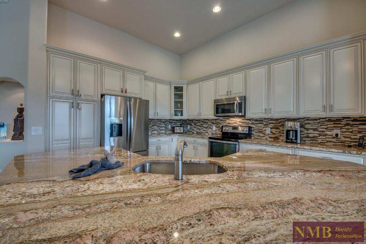 Vacation Home Sweet Mailin_Kitchen_3