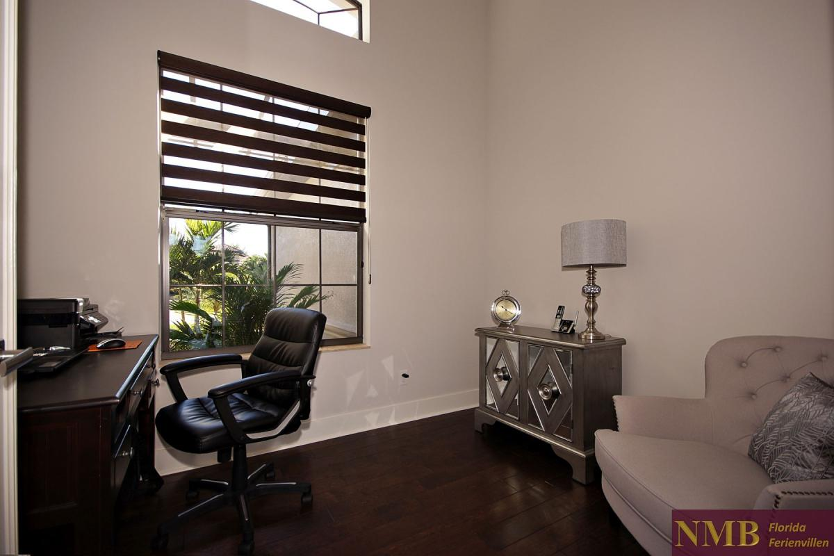 Ferienhaus-Royal_Palace-Cape_Coral-den