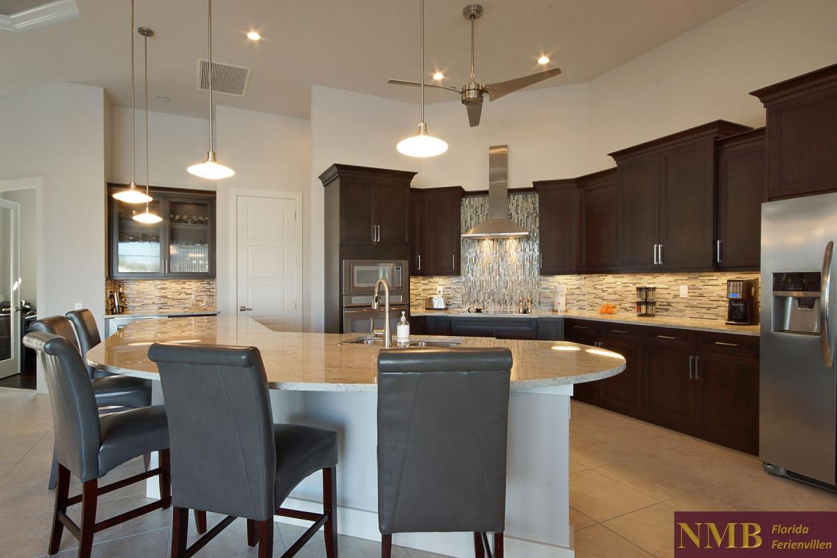 Ferienhaus-Royal_Palace-Cape_Coral-kitchen