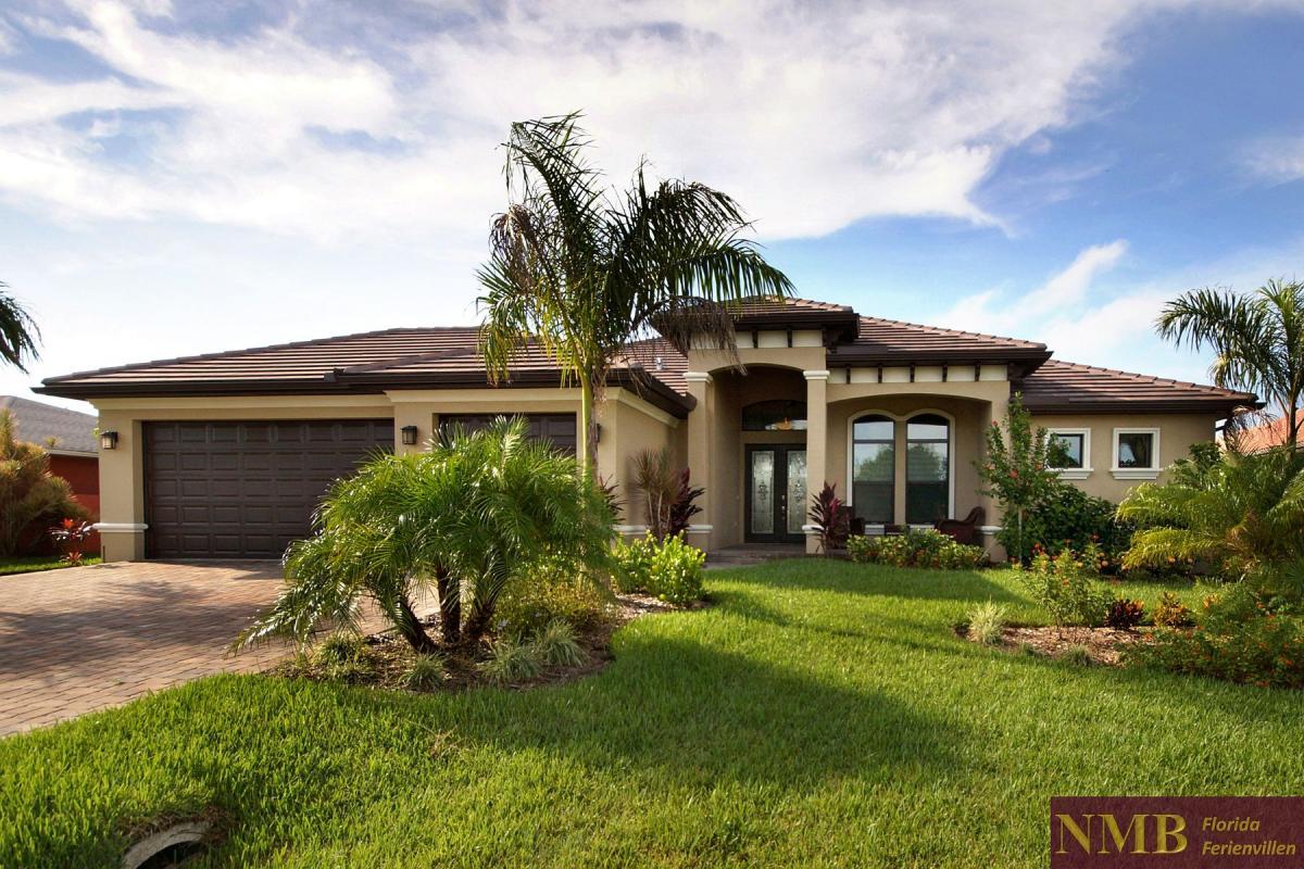 Prime Villa Aurora Nmb Florida Vacation Rentals Home Interior And Landscaping Spoatsignezvosmurscom
