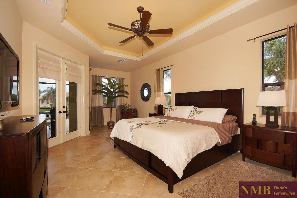 Ferienhaus_Cape_Coral_Sunlight-master-bed