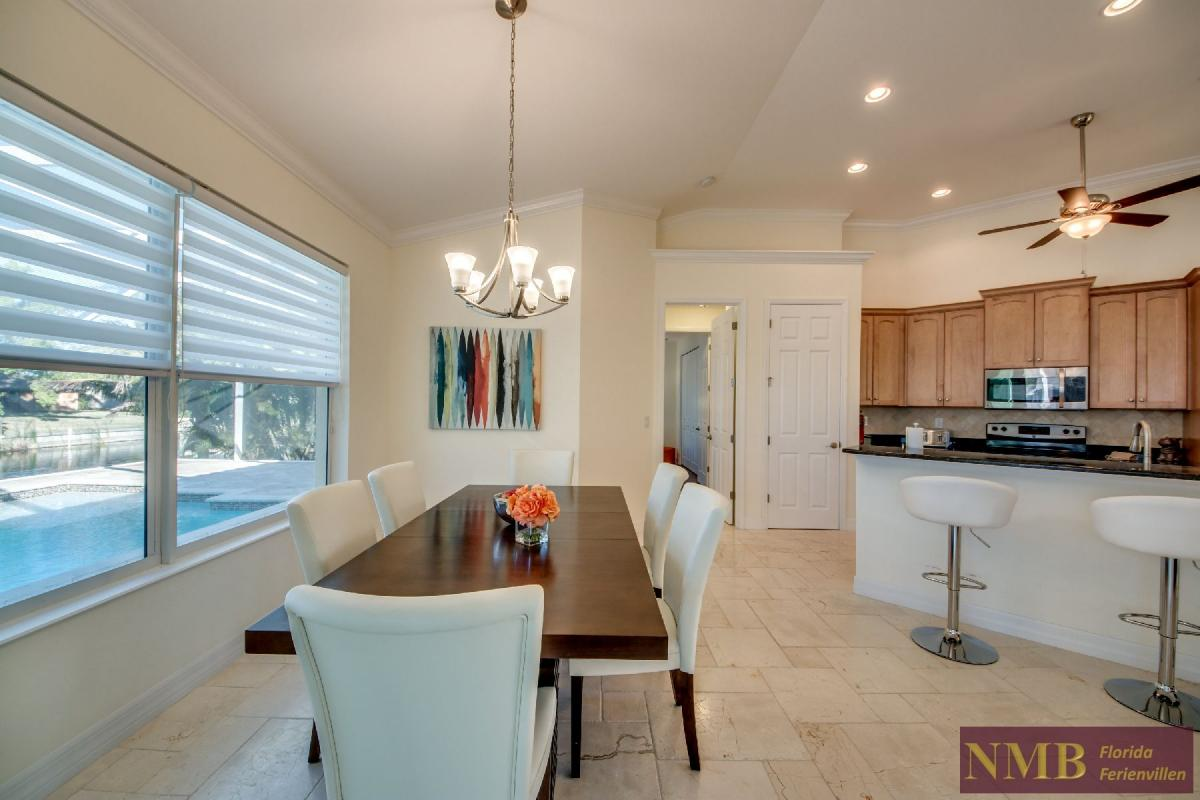 Vacation Home Lancaster_Dining_Room