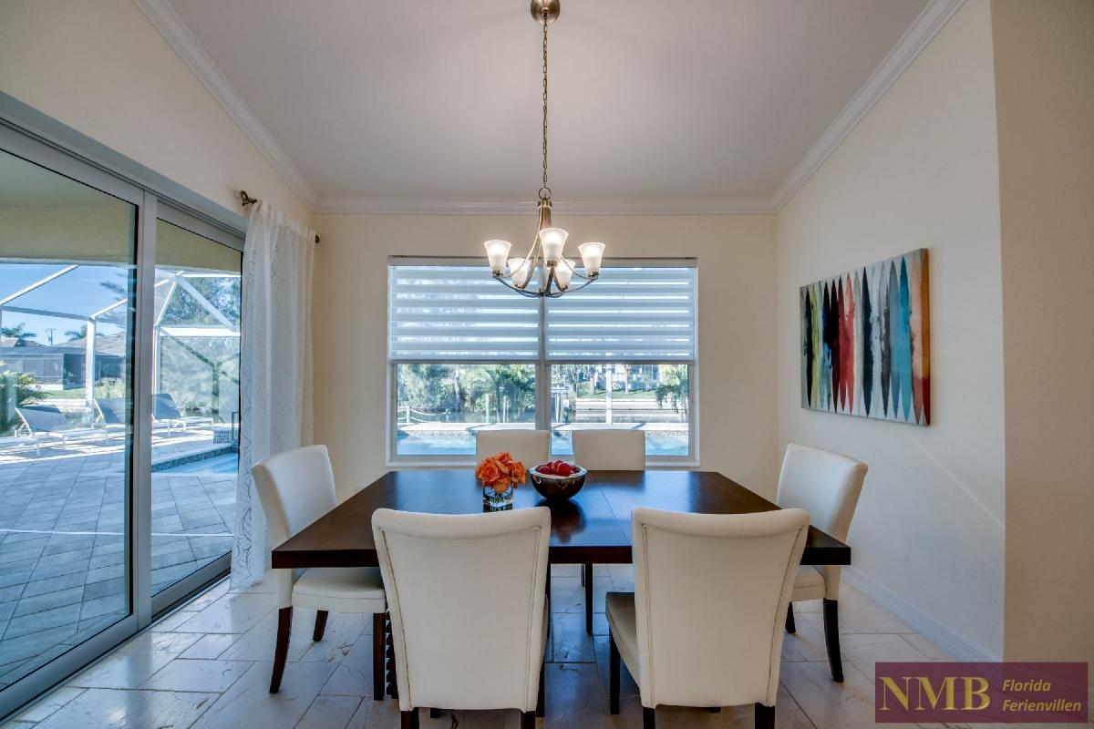 Vacation Home Lancaster_Dining_Room_1