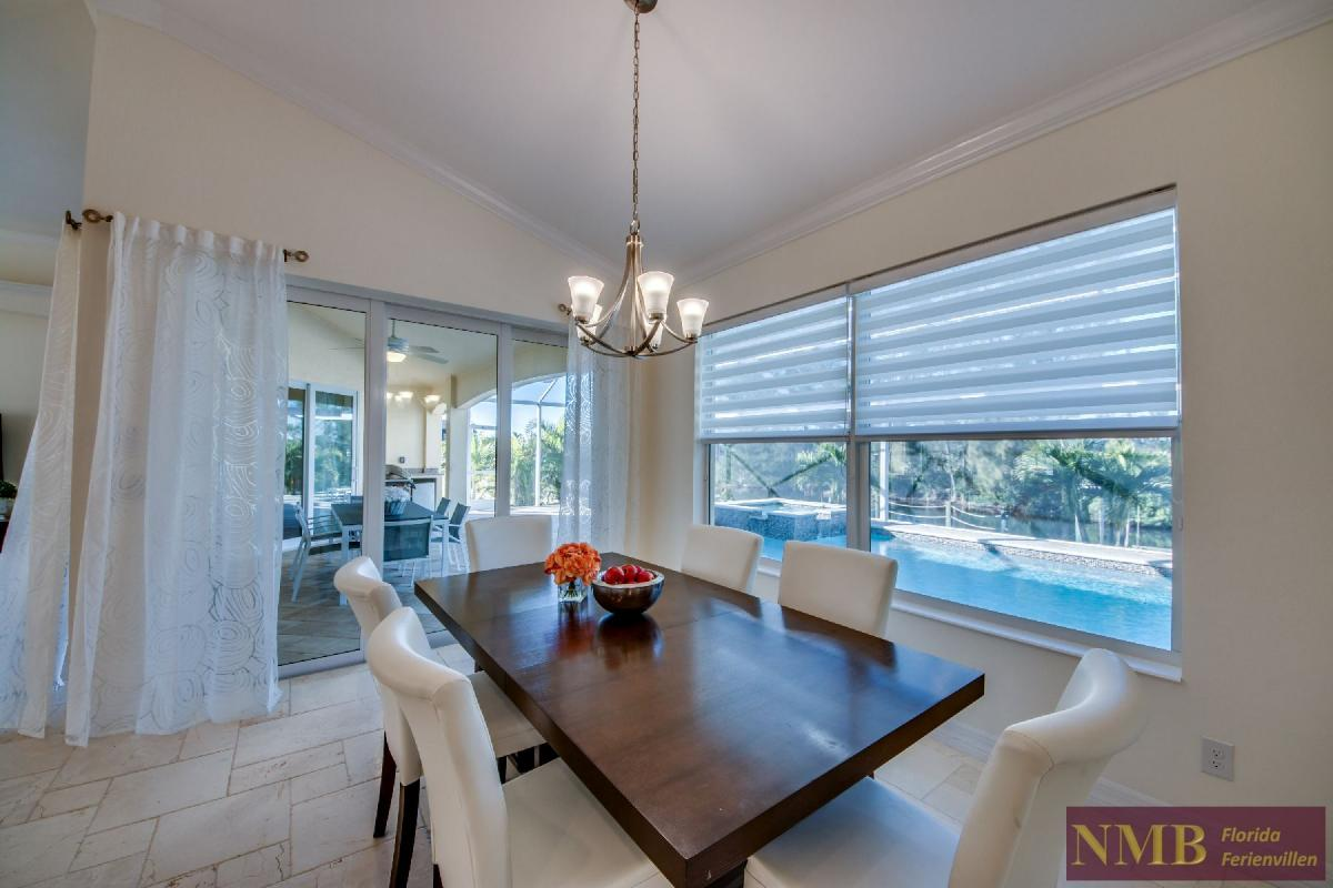 Vacation Home Lancaster_Dining_Room_2