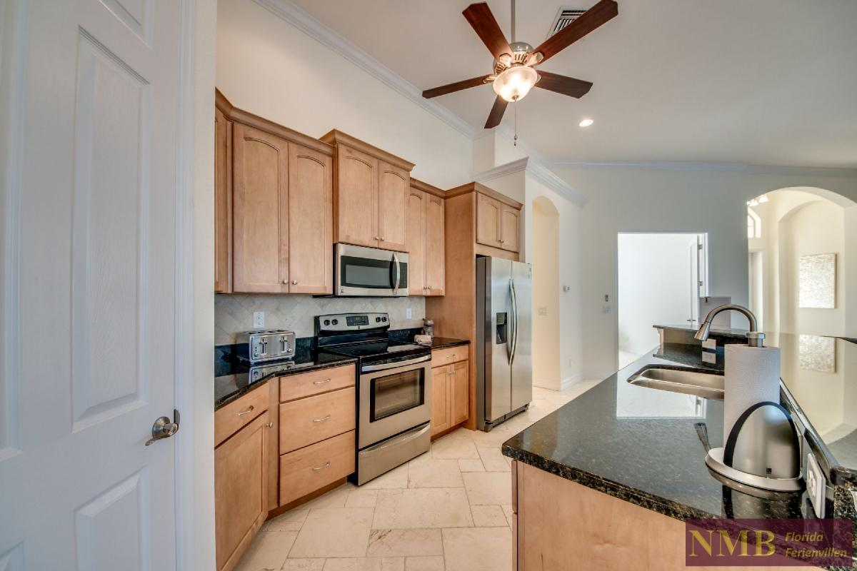 Vacation Home Lancaster_Kitchen