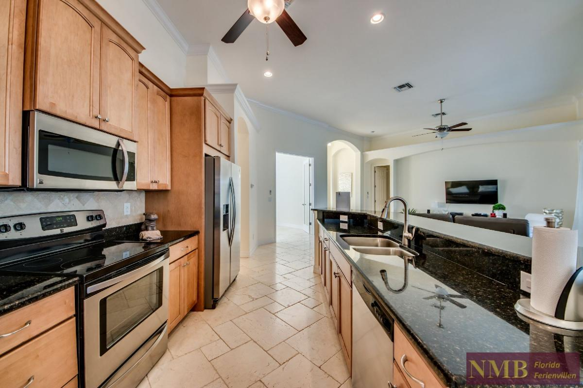 Vacation Home Lancaster_Kitchen_1