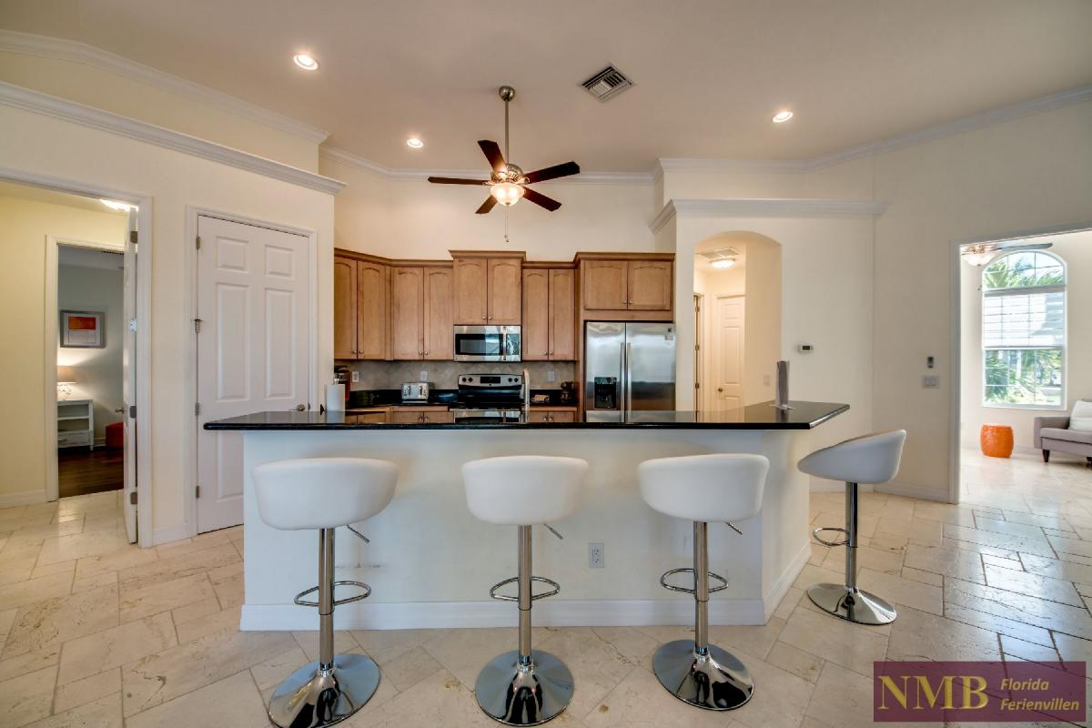 Vacation Home Lancaster_Kitchen_2