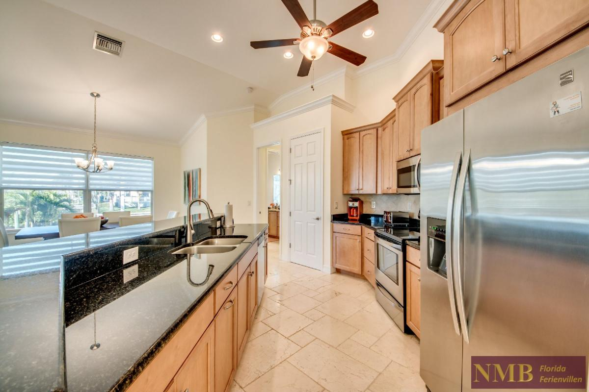 Vacation Home Lancaster_Kitchen_5