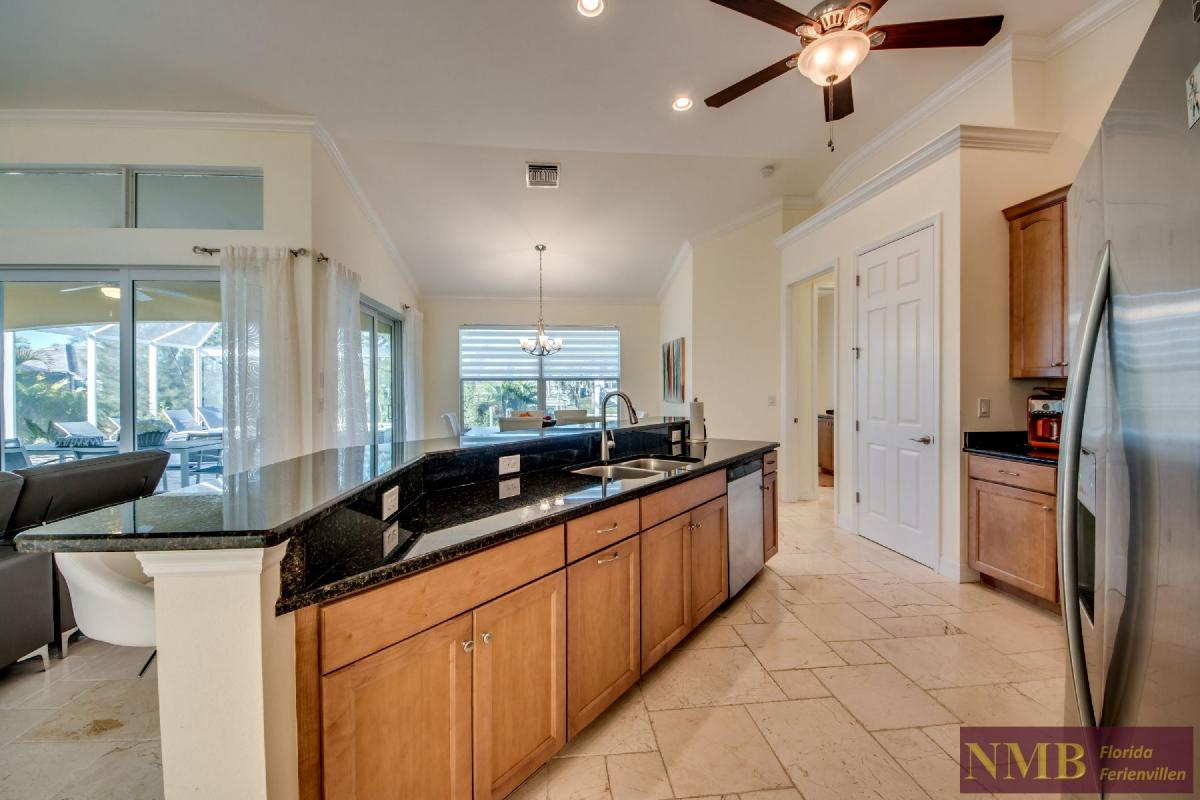 Vacation Home Lancaster_Kitchen_6