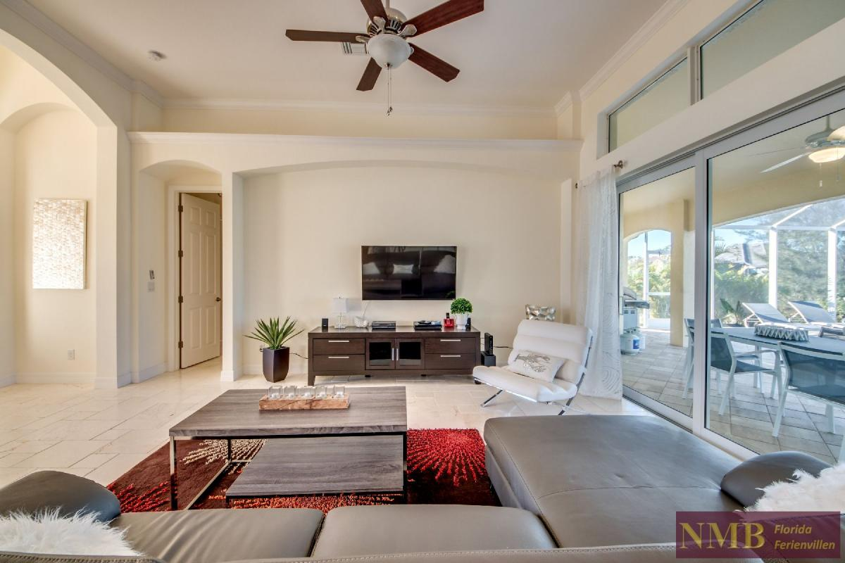 Vacation Home Lancaster_Living_Room_3