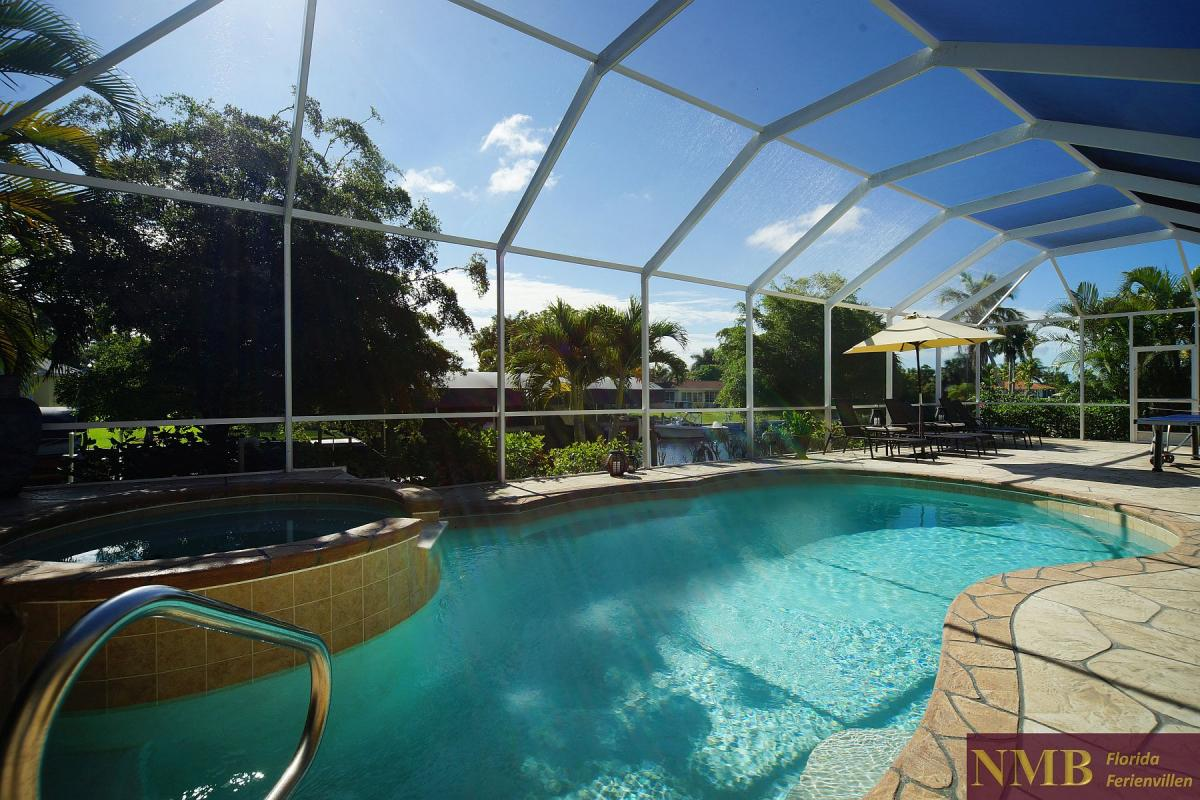 Ferienhaus_Cape_Coral_Halifax_Pool-02