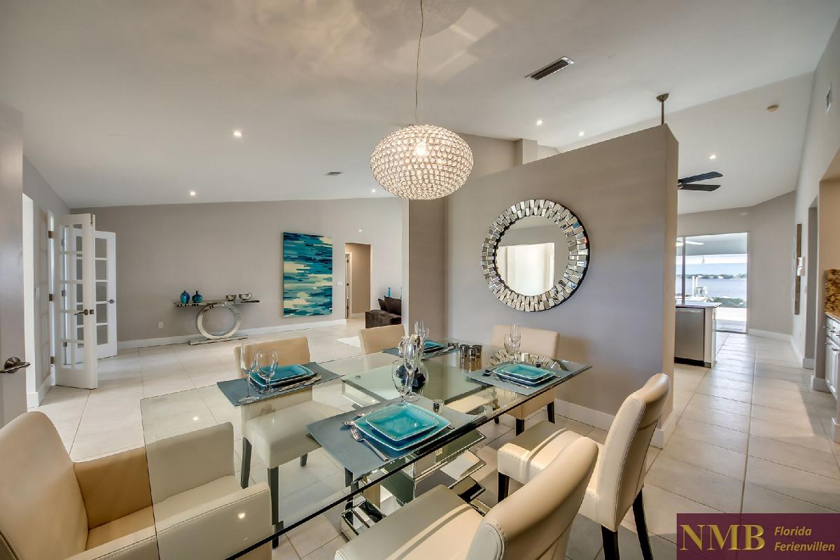 Vacation_Rental_River_Pearl_Formal_Dining
