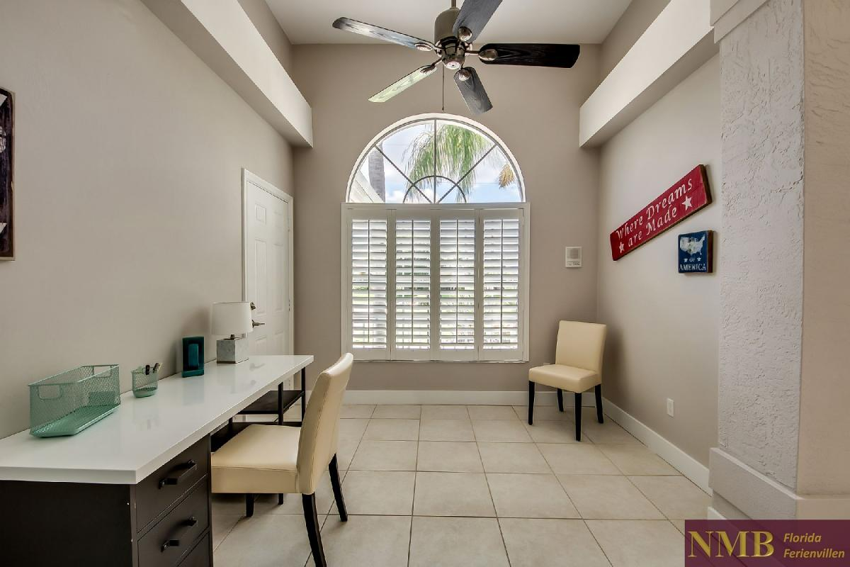 Vacation_Rental_River_Pearl_Office_Den