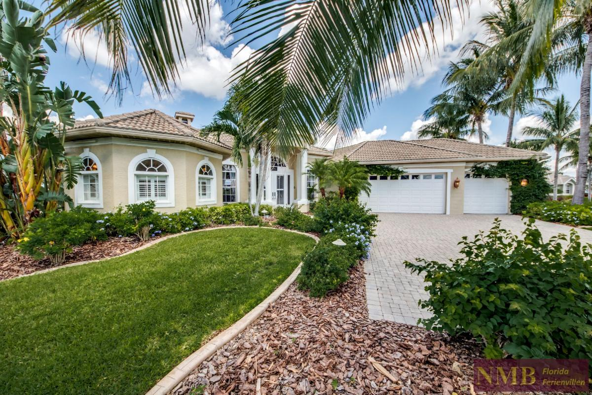 Palm_Beach-Front_of_Vacation_Rental_3