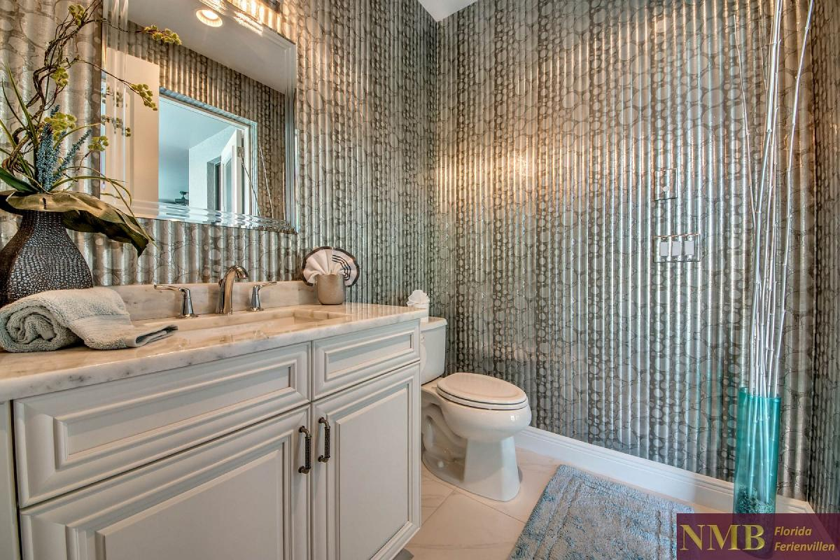 Ferienvilla_Silversands_Guest_Powder_Room_Pool