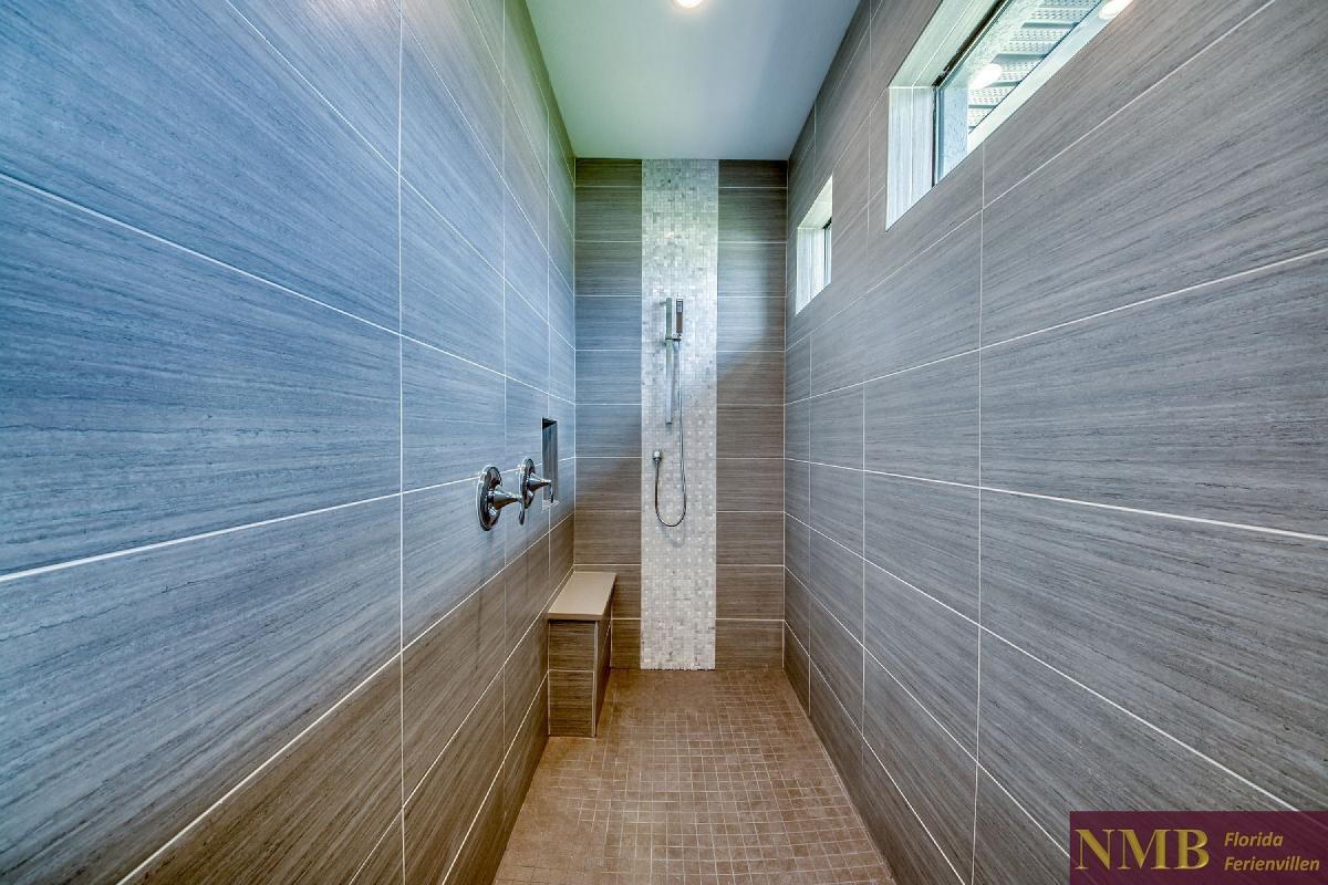 Ferienhaus_Barbados_Master_Shower