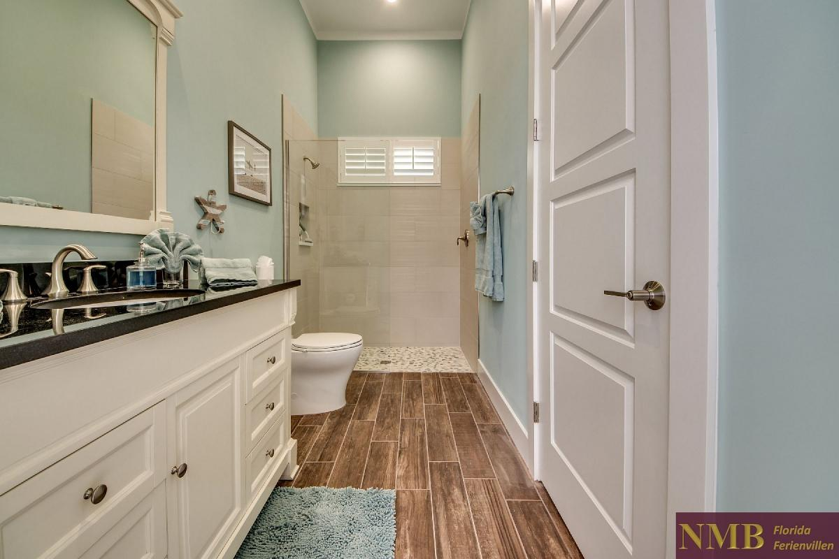 Ferienvilla_Malibu_Junior_Mast_Bathroom
