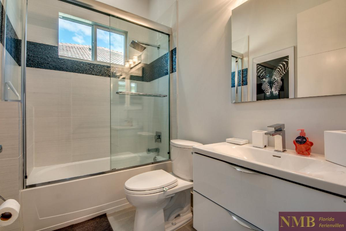Vacation-Rental-Cape-Coral-Next-Level_Guest_Bathroom_1