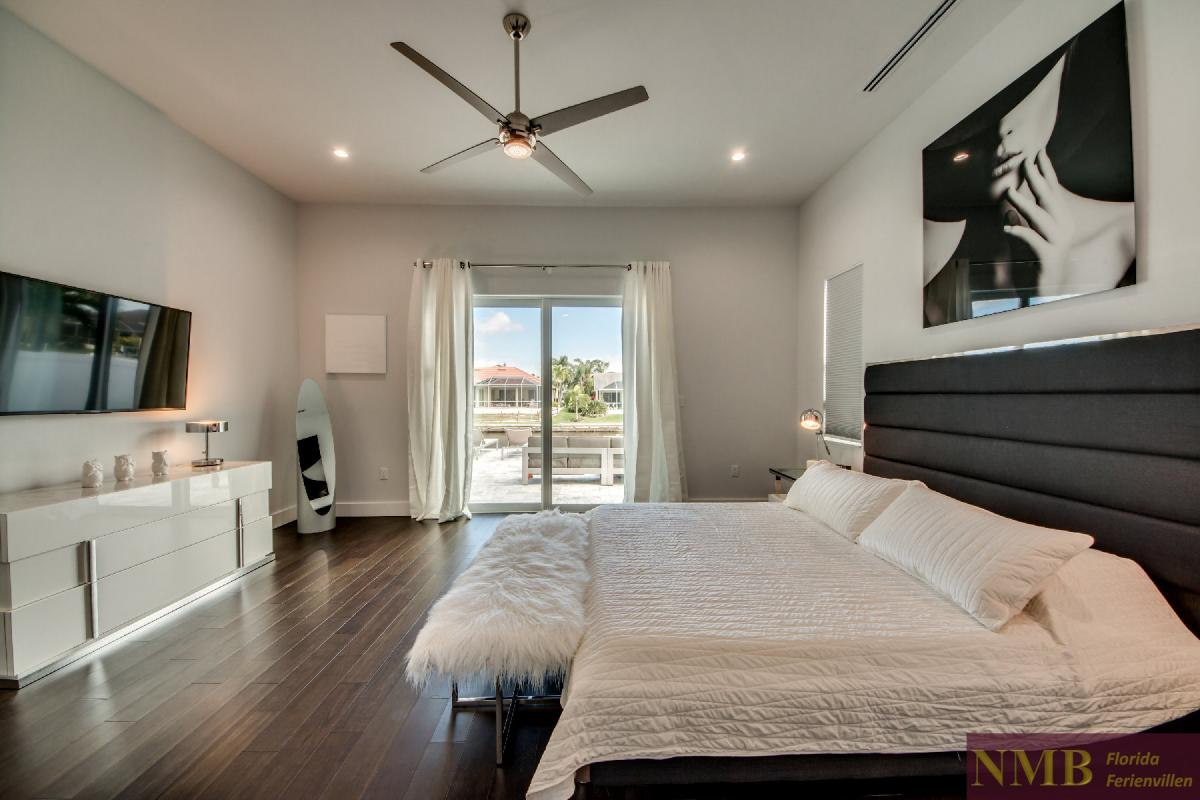 Vacation-Rental-Cape-Coral-Next-Level_Master_Bedroom_2